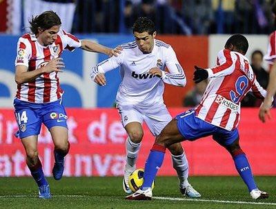 Người hùng Ronaldo đã có bàn thứ 65 sau 65 trận đá cho Real.