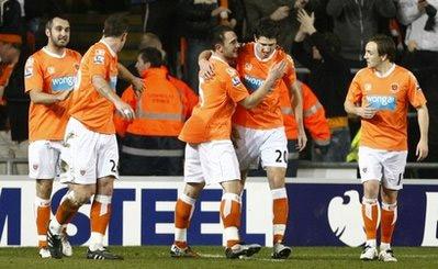 Blackpool để lỡ cơ hội làm nên chiến thắng sốc.