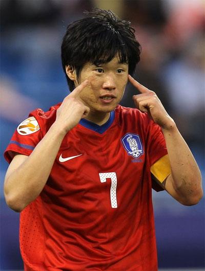 Mới 29 tuổi - độ tuổi đẹp nhất đời cầu thủ, Park nói lời chia tay đội tuyển để tập trung cho MU.