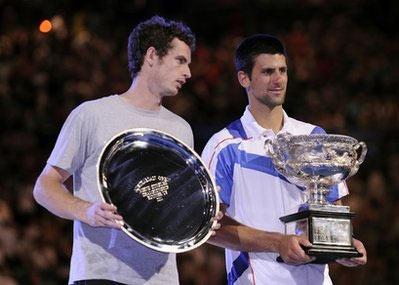 Murray (trái) và Djokovic.