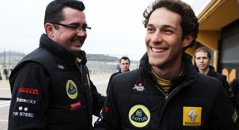 Senna (phải) là một trong ba ứng viên mà Boullier (phải) và Renault đang cân nhắc.