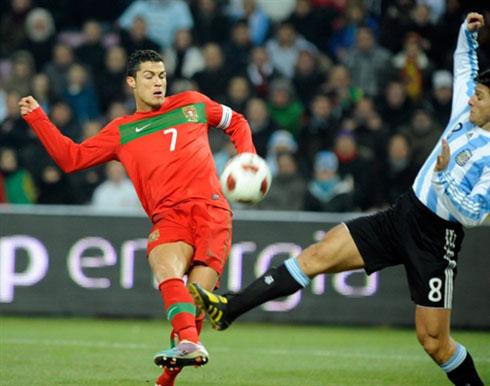Một khoảnh khắc lóe sáng hiếm hoi của Ronaldo là không đủ để Bồ Đào Nha đạt kết quả tích cực trước Argentina. Ảnh: AFP.