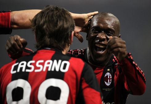 Nụ cười đã trở lại với Milan, sau những bức bối từ hai trận hòa liên tiếp gần đây. Ảnh: AFP.