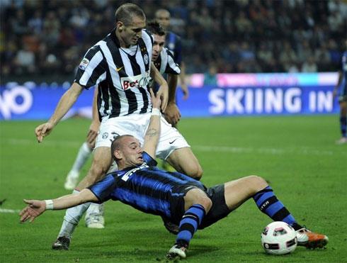 Juventus cần sự vững vàng của hàng thủ, nếu muốn đối phó hiệu quả với hỏa lực tấn công khủng khiếp của Inter.