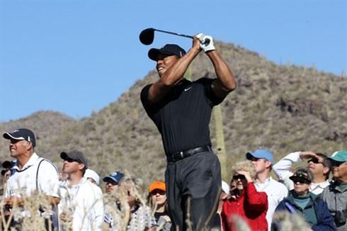 Tiger Woods vẫn chưa chặn được đà sa sút sau khi tái xuất. Ảnh: AFP.