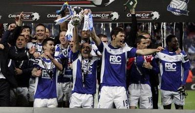 Cầu thủ Birmingham hân hoan với chiến thắng bất ngờ.