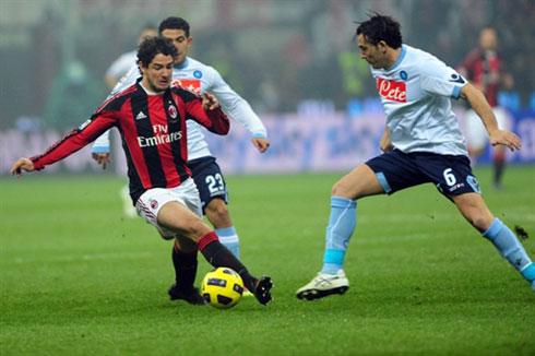 Pato là tác nhân quan trọng nhất trong cả 3 tình huống dẫn tới bàn thắng của Milan. Ảnh: AFP.