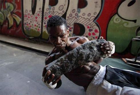Slum-boxing-2-1302282000.jpg