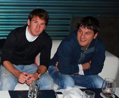 http://l.f1.img.vnecdn.net/2011/04/12/Messi-Matias-1302541200.jpg