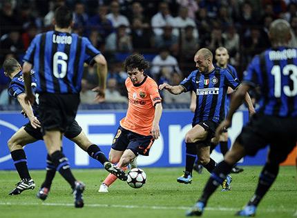 Messi bất lực với Inter tại Champions League.