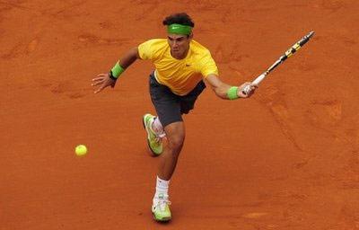 Nadal đang không có đối thủ trên sân đất nện.