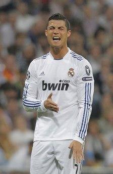 Ronaldo tỏ vẻ thất vọng trong trận đấu mới đây.