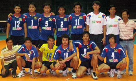 Wanchai cùng toàn đội Đức Long Gia Lai.