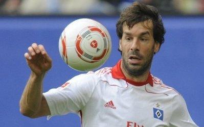 Tiền đạo 34 tuổi người Hà Lan trong màu áo Hamburg.