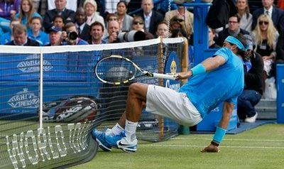 Nadal chưa có được cảm giác tốt trên sân cỏ.