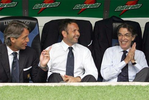 Mihajlovic (giữa) có thể trở thành HLV tiếp theo của Inter.