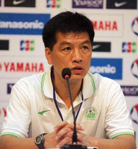 HLV Macau nhìn nhận đội nhà yếu hoàn toàn so với Việt Nam. Ảnh: An Nhơn.