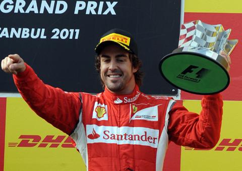 Alonso đang dần lấy lại sự tự tin sau màn khời đầu chật vật.