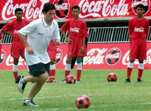Fowler là ngôi sao bóng đá lớn nhất từng gia nhập một CLB Thái Lan. Ảnh: AFP.
