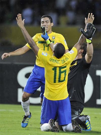 Tây Ban Nha, Argentina và chủ nhà Colombia đều đã bị loại, Brazil giờ trở thành ứng cử viên số một cho chức vô địch U20 năm 2011. Ảnh: AFP.