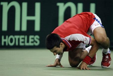 Chấn thương của Djokovic khiến Serbie mất cơ hội bảo vệ chức vô địch.