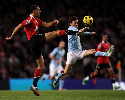 Man City lần đầu tiên bước vào trận derby với tư cách đội cửa trên.