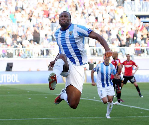 Baptista mừng bàn thắng trong màu áo Malaga.