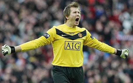 Kuszczak không được xem trọng ở Man Utd.