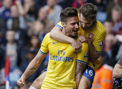 Chuyên gia dự đoán: 'Man Utd níu chân Arsenal, Chelsea tìm lại niềm vui'