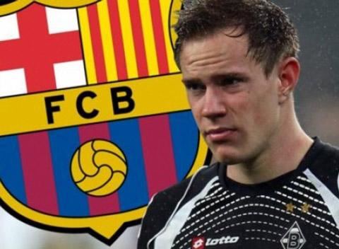 Marc-Andre ter Stegen mới 22 tuổi và là sự lựa chọn cho tương lai của Barca.