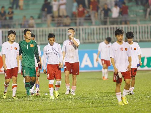HLV U19 Việt Nam xin lỗi vì xấu hổ