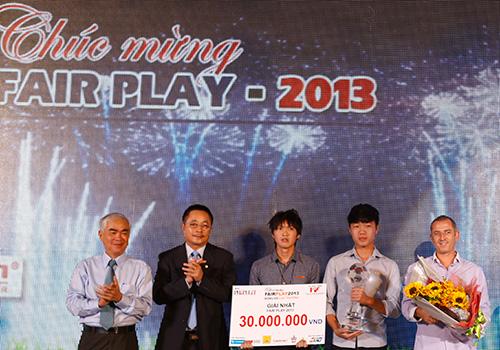 Đội U19 Việt Nam đoạt giải Fair Play 2013
