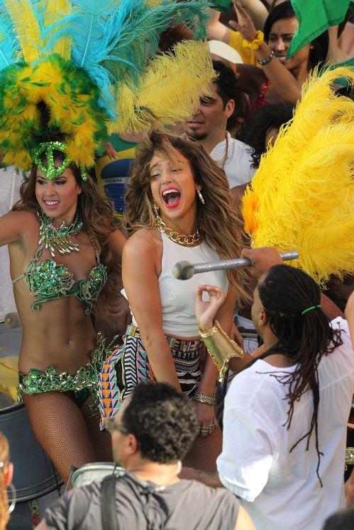 Jennifer-Lopez-3136383-9901-1392375376.j