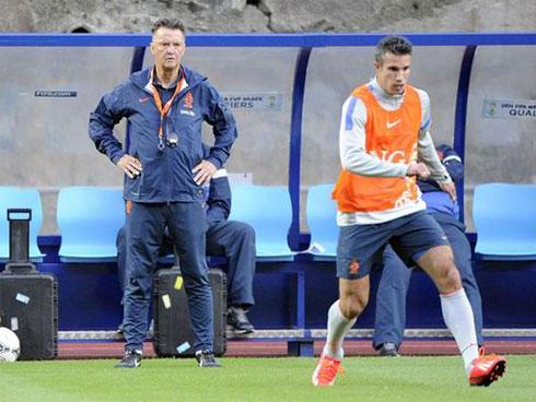 Van Gaal có thể thay Moyes ở Man Utd