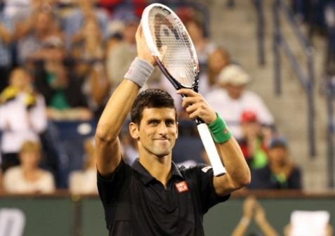 Djokovic vất vả vào vòng ba Indian Wells