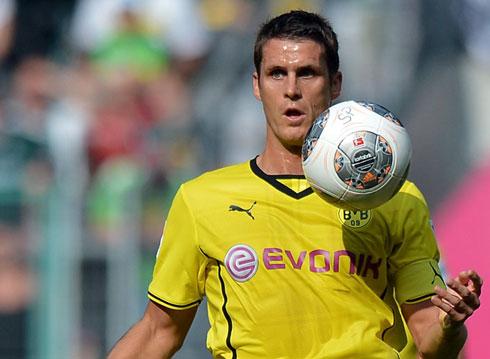 Siêu phẩm sút xa mang về chiến thắng cho Dortmund