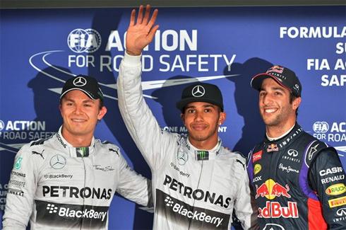Hamilton giành pole chặng đầu tiên F1 2014