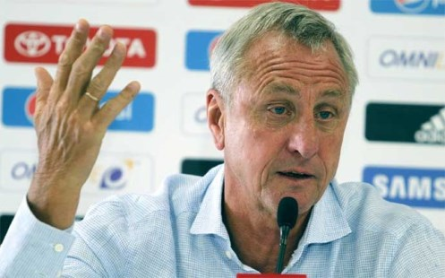 Cruyff ám chỉ Neymar gây lục đục nội bộ ở Barca