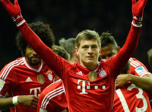 Bayern vô địch Bundesliga sớm kỷ lục