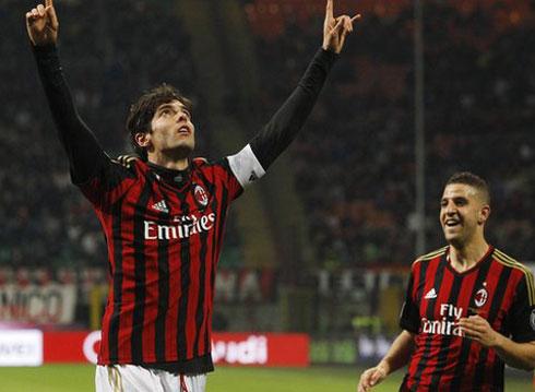 Kaka ghi tuyệt phẩm, Milan thắng đậm