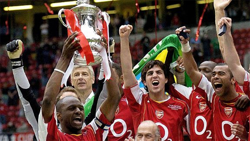Cup-FA-2005-7753-1397256256.jpg