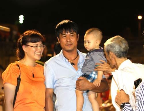 Gia-dinh-nho-HLV-Nguyen-Huu-Th-4753-2269