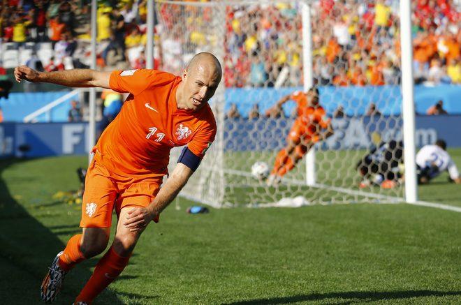 [Image: Robben-Netherlands-v-Chile-3-1403833237_660x0.jpg]
