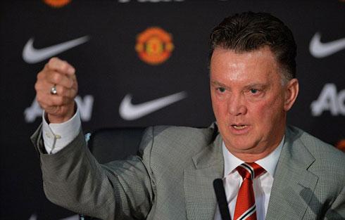 Van Gaal uy quyền khi ra mắt Man Utd