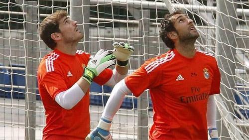 Casillas-v-Lopez-6225-1406869374.jpg