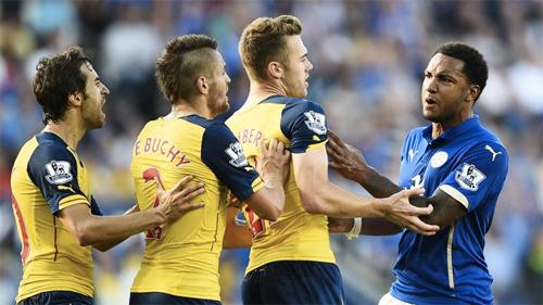 Arsenal chia điểm trận thứ hai liên tiếp dù Sanchez ghi bàn