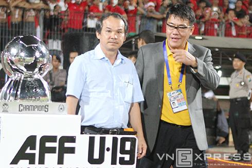 Bầu Đức làm trưởng đoàn U19 dự giải châu Á