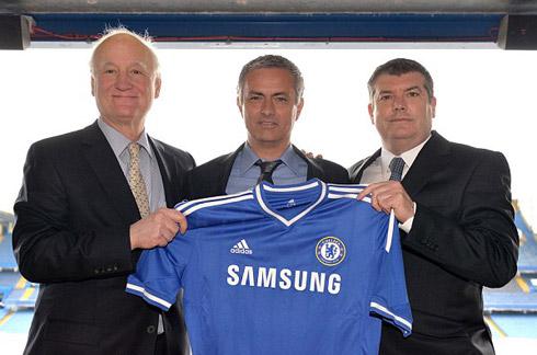 Chelsea muốn gắn bó 10 năm với Mourinho
