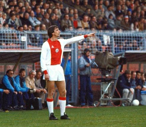 'Bale có giá trăm triệu, thì Cruyff ngày xưa đáng tiền tỷ'