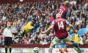 Aston Villa 0-3 Arsenal: Màn tung hứng của Ozil và Welbeck
